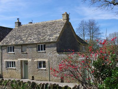 Photo for Maisey Cottage, Kencot, Cotswolds