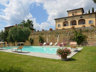 Photo for Walking distance to town of Lucignano - 8 pax, Wi-Fi, private garden and pool