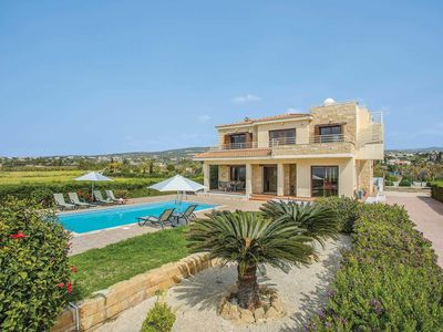 Photo for Seaview villa w/ private pool, free Wi-Fi and tennis court
