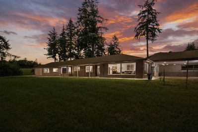 This single level home is pure comfort and relaxation surrounded by vineyards.