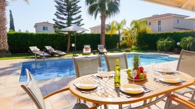 Villa Casa Mia (Coral Bay) -  Luxury Spacious Villa with Private Pool, BBQ and Free WIFI - 600 meters from the beach and Coral Bay Strip