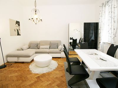 Photo for Apartment Urban-Loritz  in Vienna / 7. District, Vienna - 4 persons, 1 bedroom