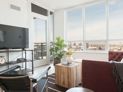 Photo for Stunning 1BR in River North by Sonder