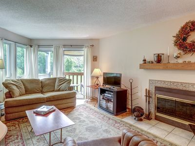 Photo for Comfortably furnished condo w/shared seasonal pool, on shuttle route to skiing!