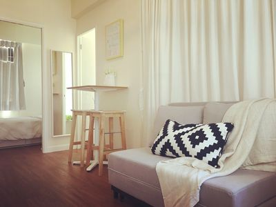 Photo for Cozy 3 BR Apt, Ladies Market, 2 mins from MTR (E2)
