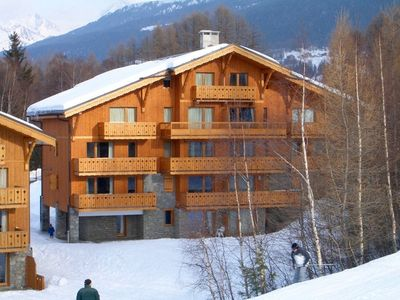 Photo for Blanc - Chalet style 3 bedroom apartment, sleeps 7, on slopes of ski resort