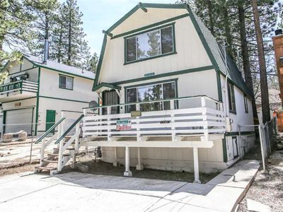 Photo for Bear 'n Tree - 2BR/2BA/Walk to Lake/FREE 2 hour Bike/Kayak Rental