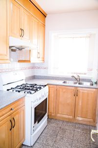 Spice Kitchen with Gas Stove