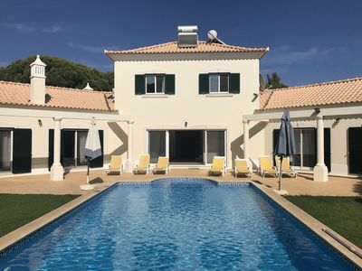 Photo for Villa with pool (heated - optional) next to supermarket and 4 restaurants