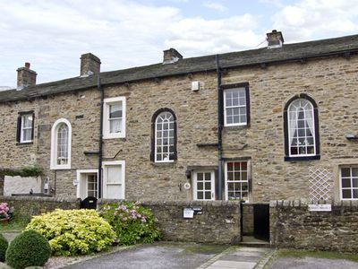 Photo for TOWN COTTAGE, country holiday cottage in Skipton, Ref 4363