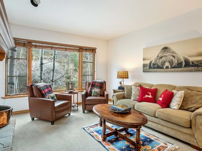 Photo for Arrowhead right by the lift, walk to slopes, hot tub & pool, + garage parking!