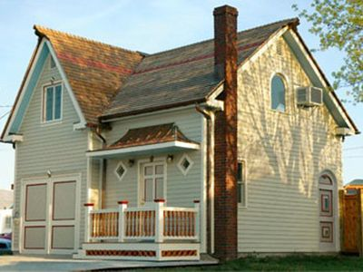 Photo for Cricket House: Great Location; can rent with Culp House