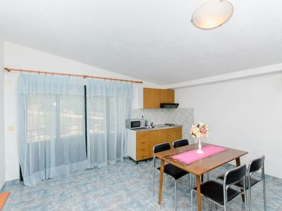 Photo for Apartment and Rooms Ivan (45191-A14) - Makarska
