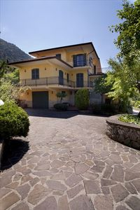 Photo for Luxurious Villa in the Heart of the Italian Countryside