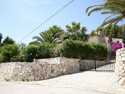 Photo for Villa Rosenberg, tropical garden with private pool within walking distance from the sea!