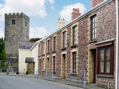 Photo for 1 bedroom property in Llandeilo. Pet friendly.