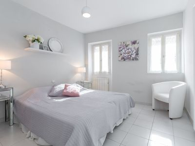 Photo for Forville Townhouse - Two Bedroom Apartment, Sleeps 5