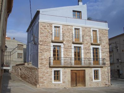 Photo for Detached country house on Pira town square.