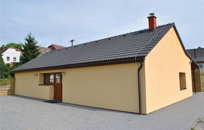 3 bedroom accommodation in Lesonice