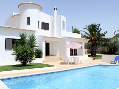 Photo for This 3-bedroom villa for up to 6 guests is located in Carvoeiro and has a private swimming pool and