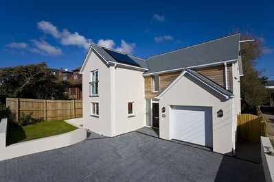 Detached newly built house with beach close by