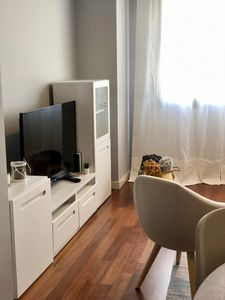 Photo for Luxurious, Modern and cozy apartment, IFEMA, Airport and Commercial Zone.