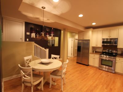 Photo for Vintage Condo with Whirlpool Tub, Fireplace and Open Floor Plan. Mins. to Lak
