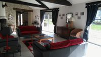 On the grounds of the Chateau of Musigny this former barn offers tradition and modern comfort.