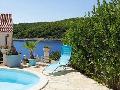 Photo for Holiday house with oceanfront pool
