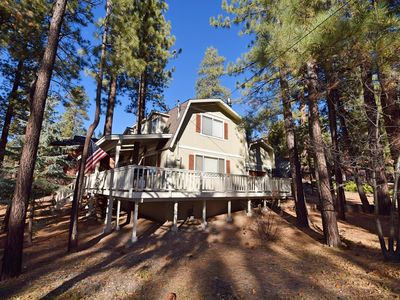 Star Gazer: Close to Bear Mountain! Yard! Propane BBQ! Central Heat! Smart TV with Over 50 Apps!