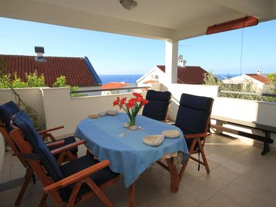 Photo for One bedroom apartment with terrace and sea view Rukavac, Vis (A-8897-a)