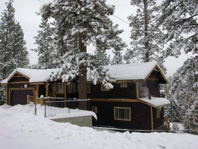 Walk to Lake w/View, Pool Table, Prof. Arcade Game, Hot Tub, and Pet Friendly!