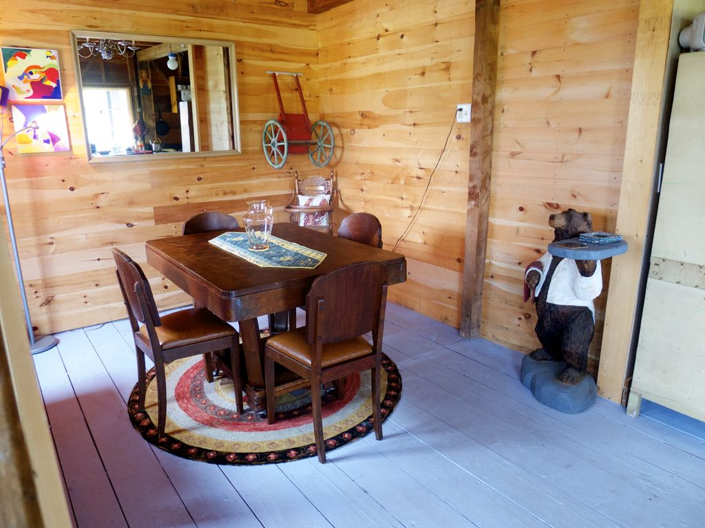 Tapley Farm\u0027s Beautiful Waterfront Cabin - VRBO