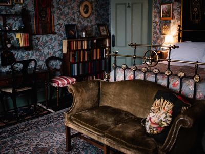 Photo for Victorian seaside Villa - THE COLONEL'S ROOM
