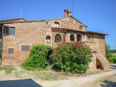 Photo for Appartment situated in the vinyards with swimming pool and fish pond.