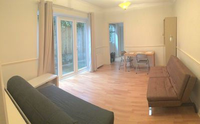 Photo for Spacious 2 bed ground floor garden flat close to DLR