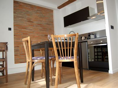 Photo for Charming apartment with terrace in the Toulouse center for 2 to 4 people
