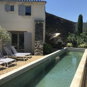Photo for Charming hamlet house of the 18th with swimming pool at the foot of the Luberon