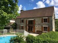 A beautiful barn in a peaceful French village. All that is needed for a perfect holiday!