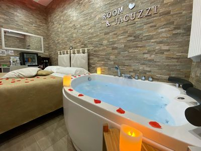 Photo for Room with wifi, swimming pool and parking near Scavi di Pompei, Vesuvius and Naples