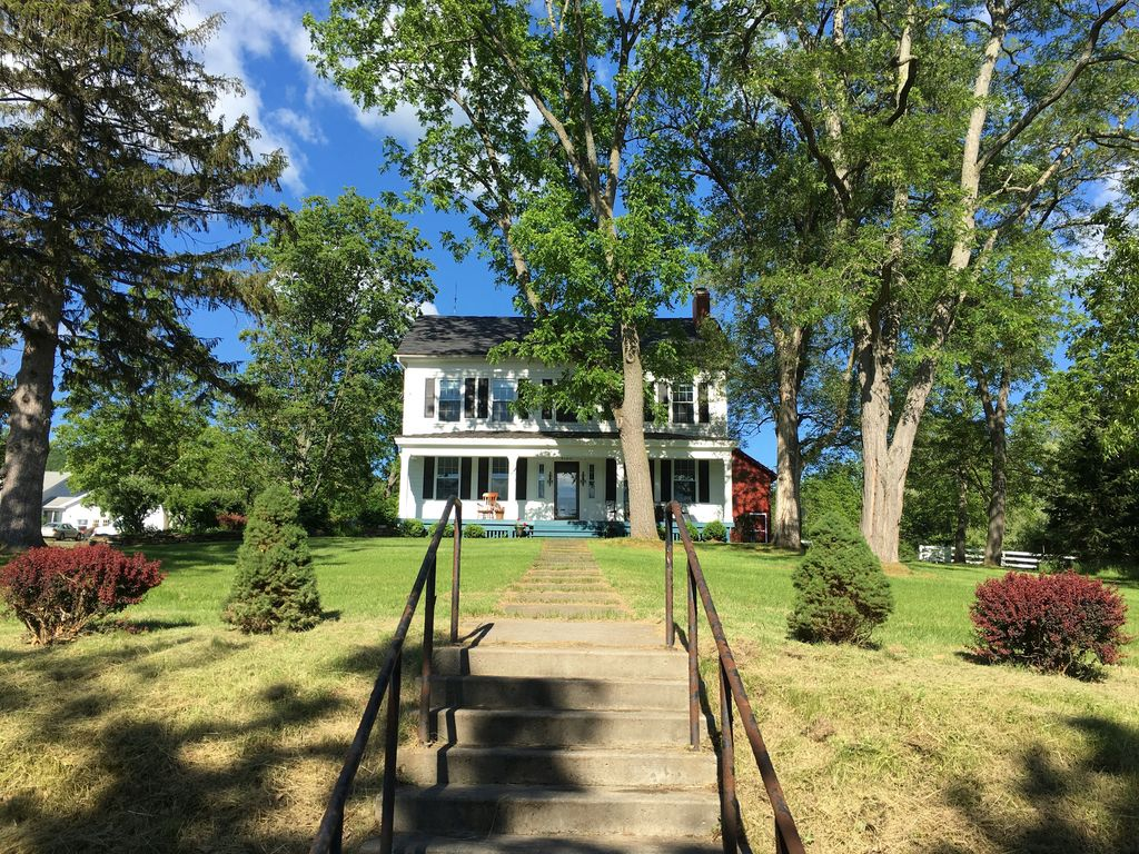 gracious farmhouse on the seneca lake wine  - vrbo
