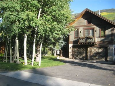 Photo for Deal, Sunny West Vail 2BR, Hot Tub, Fireplace, Newly Remodeled