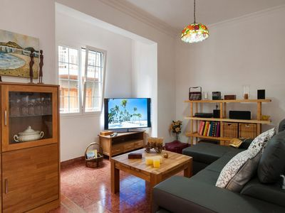 Photo for Lovely apartment for 4 guests with WIFI, A/C, TV and pets allowed