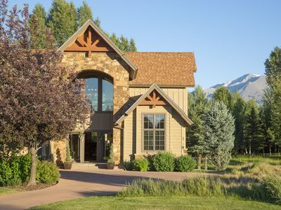 Photo for Beautiful 4 Bedroom Home in River Valley Ranch