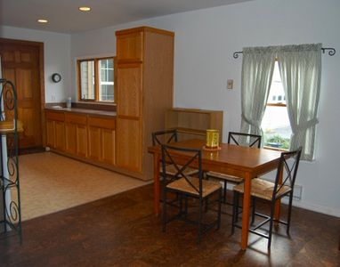 Photo for 2 month minimum Arnold spacious in-law apartment.  Clean, neat, and spacious in-law apartment with private entrance, in-unit stacked washer/dryer, full size kitchen and cork floors in living room.