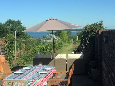 Photo for Solent View Cottage - Lovely cottage in Gurnard
