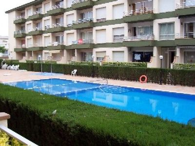 Photo for Apartment with swimming pool and air-conditioning