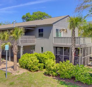 Photo for 2Bed 1.5 Bath 1 block from IOP BEACH