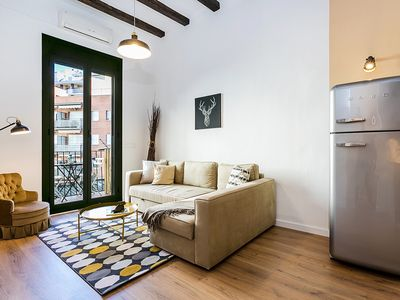 Photo for Lovely design 2bed close to Arc de Triomf