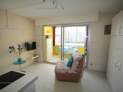 Photo for Studio in secure residence on the port, close to the beach. Rental very ...